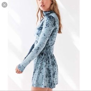 Urban outfitters, Kamichi Velour Dress